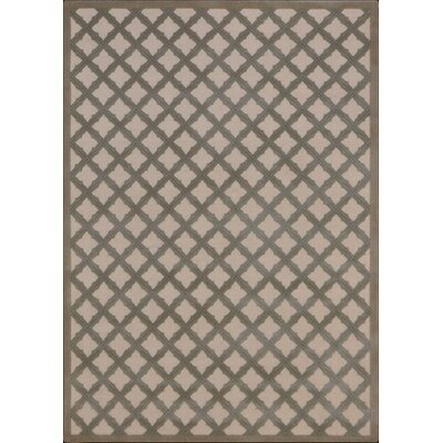 Hartz Ivory/Green Area Rug Rug Size: Rectangle 26 x 4