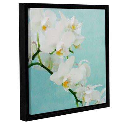 White Spray Framed Graphic Art Size: 10