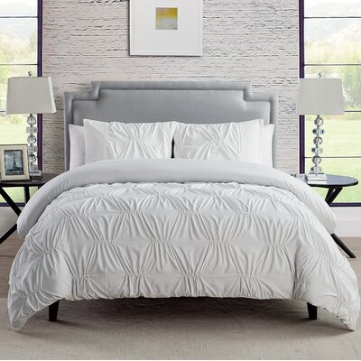 Jaelynn 3 Piece Reversible Comforter Set Color: White, Size: Twin