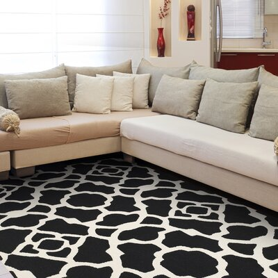 Willa Hand-Tufted Black/White Area Rug Rug Size: 36 x 56