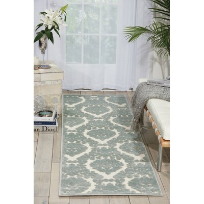 Hartz Ivory/Green Area Rug Rug Size: 76 x 96