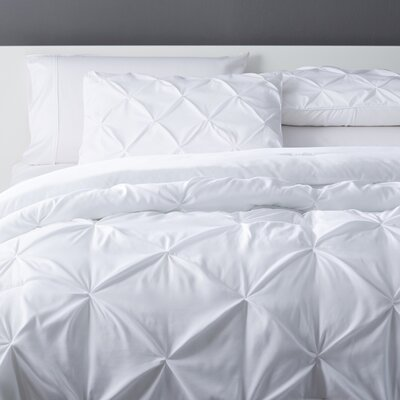 Bostic Comforter Set Size: Full, Color: White