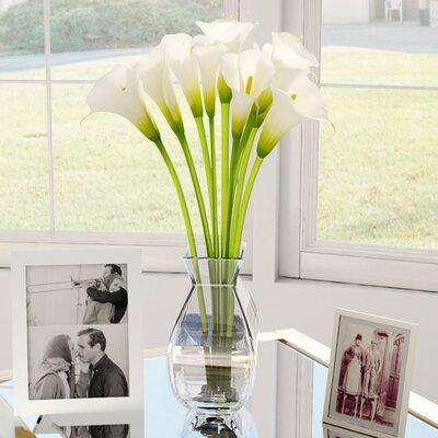 Silk Calla Lily in Vase Color: Cream