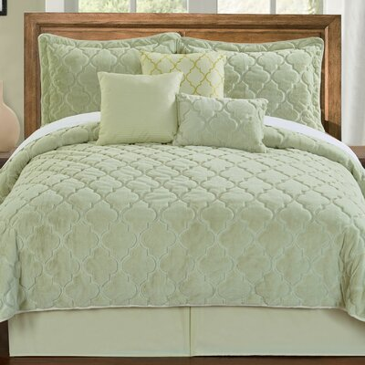 Elford Faux Fur Embroidered 7 Piece Quilt Set Size: Queen, Color: Light Green