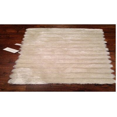 Charmain White Area Rug Rug Size: 3'6