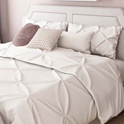 Marcelino Comforter Set Size: Full, Color: Champagne