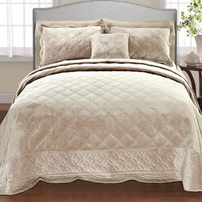 Alexander�4 Piece Quilt Set Size: Queen, Color: Antique White
