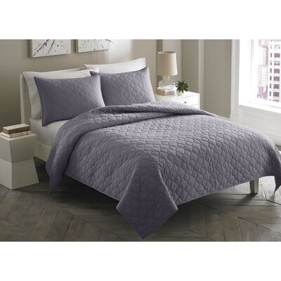 Saira Moroccan Reversible Coverlet Set Size: Full / Queen, Color: Purple