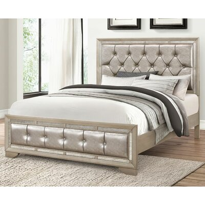 Greenwich Platform Bed Size: King