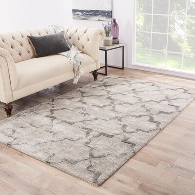 Avery Hand-Tufted Gray Area Rug Rug Size: 96 x 136