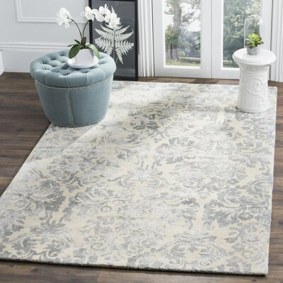 Romford Hand-Tufted Ivory/Silver Area Rug Rug Size: 5' x 8'