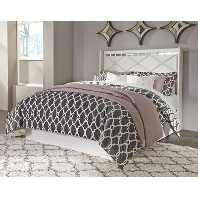 Wylie Panel Headboard Size: Queen, Color: Champagne