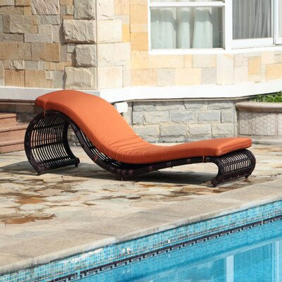 Onda Chaise Lounge with Cushion