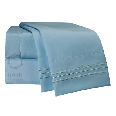 1800 Thread Count Bed Sheet Set Color: Light Blue