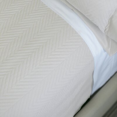 Eternal Matisse Luxury Quilted Blanket Color: Ivory, Size: King