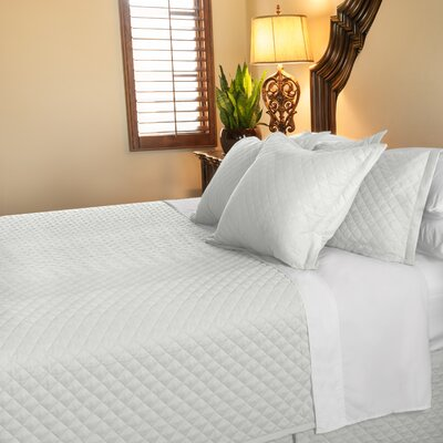 Eternal Diamond 120 GSM Microfiber Luxury Quilted Blanket Color: White, Size: Queen