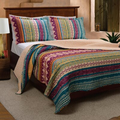 Yesilkoy Reversible Quilt Set Size: King