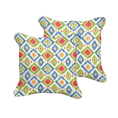 Socoma Indoor/Outdoor Throw Pillow Size: 22 H x 22 W, Color: Red / Green