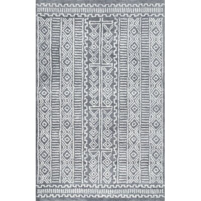 Tiponya Fretted Hand-Tufted Gray Area Rug Rug Size: 86 x 116