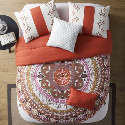 Maine Comforter Set Color: Coral, Size: King