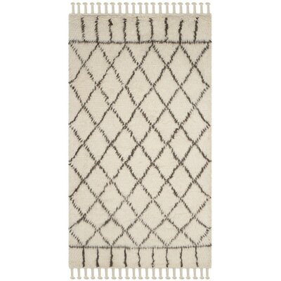 Livingston Trellis Hand-Tufted Beige Area Rug Rug Size: 4 x 6