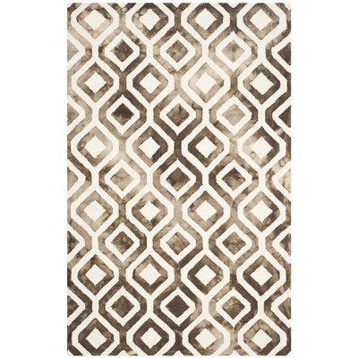 Jawhar Ivory/Chocolate Area Rug Rug Size: 5 x 8