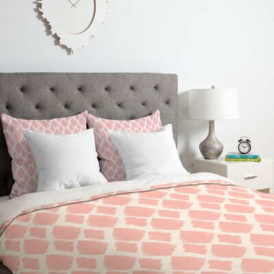 Nadia Blushed Duvet Cover Set Size: Queen