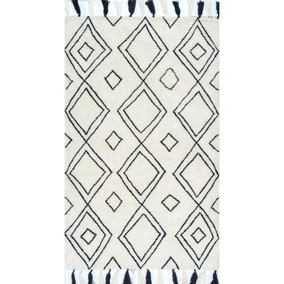 Destrie Hand-Tufted Area Rug Rug Size: Rectangle 76 x 96