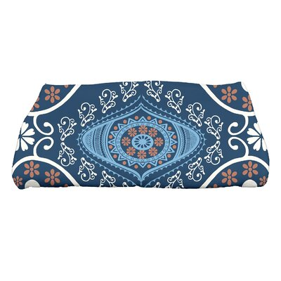 Soluri Illuminate Geometric Print Bath Towel Color: Navy Blue