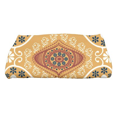 Soluri Illuminate Geometric Print Bath Towel Color: Gold