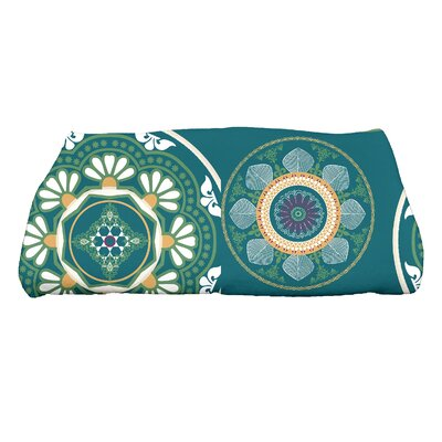 Soluri Medallions Floral Print Bath Towel Color: Teal