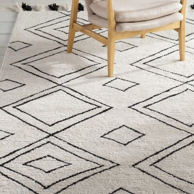 Destrie Hand-Tufted Area Rug Rug Size: Rectangle 86 x 116