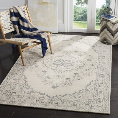 Samaniego Hand-Tufted Light Gray Area Rug Rug Size: 5 x 8