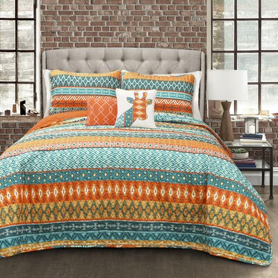 Hannah Stripe 5 Piece Reversible Quilt Set Size: King