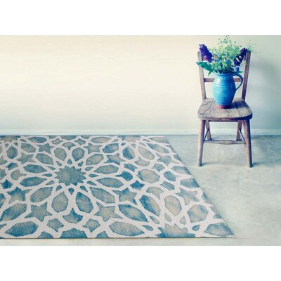 Julio Marine White Area Rug Rug Size: Rectangle 5 x 8