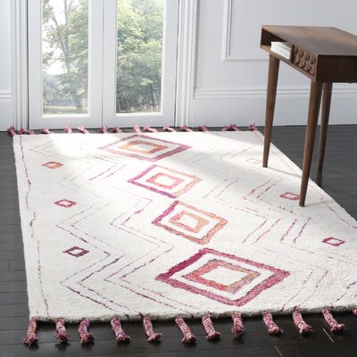 Lockheart Hand-Tufted Beige/Pink Area Rug Rug Size: Rectangle 5 x 8