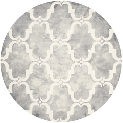 Hand-Tufted Dip Dye Gray/Ivory Area Rug Rug Size: Round 7