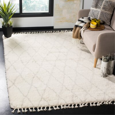 Cosima Hand-Knotted Ivory/Gray Area Rug Rug Size: Rectangle 5 x 8