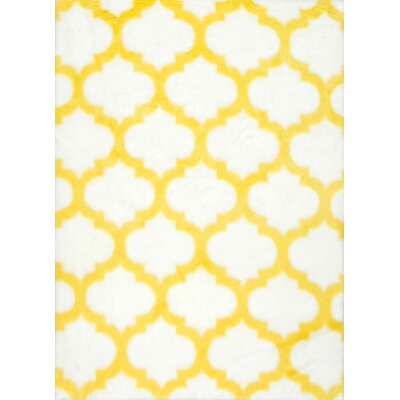Keefe Yellow/White Area Rug Rug Size: 5 x 8