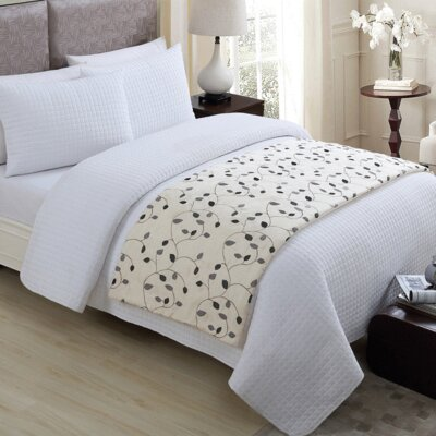 Humberto Bed Runner Color: Ivory