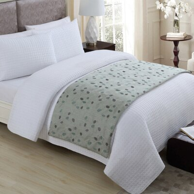 Humberto Bed Runner Color: Sage
