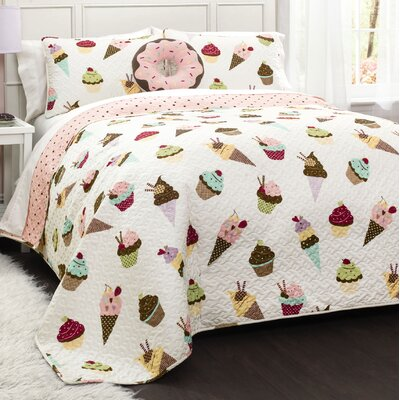Mia Quilt Set Size: Full / Queen
