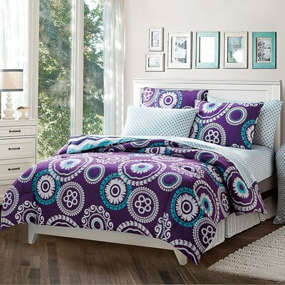 Traci Reversible Comforter Set Size: Twin XL