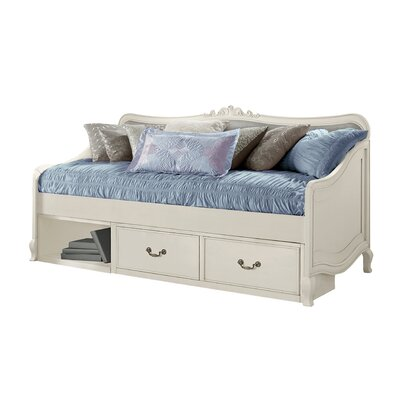 Winifred Daybed Size: Daybed, Color: Antique White