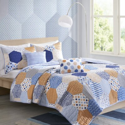 Kendra Reversible Coverlet Set Size: Full/Queen