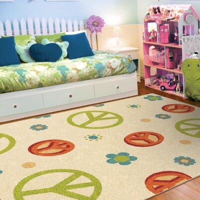 Lakisha Beige/Green Area Rug Rug Size: 65 x 98