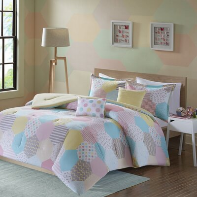 Hayley Comforter Set Size: Twin/Twin XL, Color: Yellow/Pink