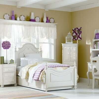 Kassidy Four Poster Bed Size: Full