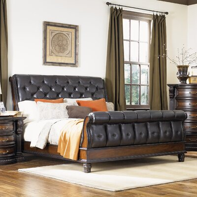 New Hampshire Upholstered Sleigh Bed