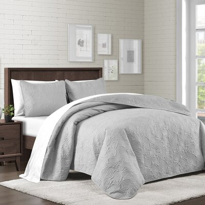 Kate Solid Swirl Design Reversible Quilt Set Size: King, Color: Gray